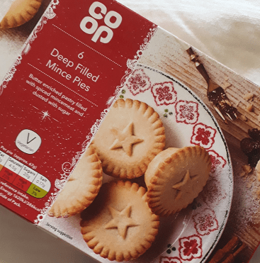 Picture of box of 6 Co-op mince pies, which cost 70p after 30p cashback on the £1 cost.
