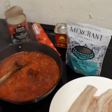 Picture of tomato sauce for merchant gourmet lentils with white fish