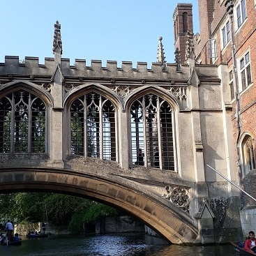 Picture of the bridge of sighs seen from the river during our family trip to Cambridge by train
