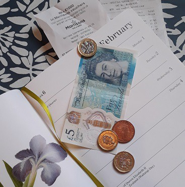 Picture of a diary, five pound note and coins for my post on Second Hand September