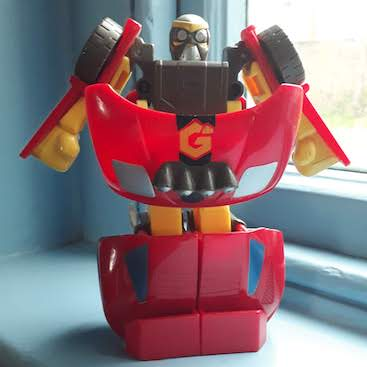 Picture of a robot transformer toy for my post on what are robo advisers?