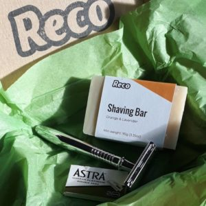 Picture of Reco plastic free starter shaving set with razor, blades and shaving soap